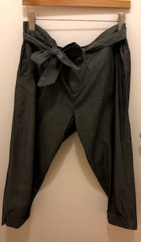 Cropped Grey Pants with Cute Bow Belt Size 32 TORONTO