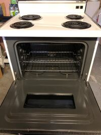 GE Range. Excellent Condition.  Montréal, H1S 2K4