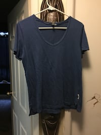 Blue v-neck t-shirt Fort Erie, L0S
