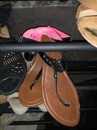 pair of brown leather thong sandals Chico, 95928