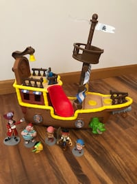 Jake and the Neverland Pirates ship with extra characters 614 mi