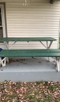 Picnic Table with benches  New Market, 21774