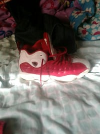 unpaired white and red Air Jordan 13 Racine, 53404