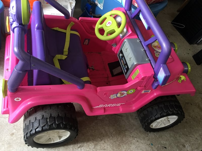 Barbie Power Wheels Truck 08394fbb-9492-4dc8-a7f6-35448bf6817f