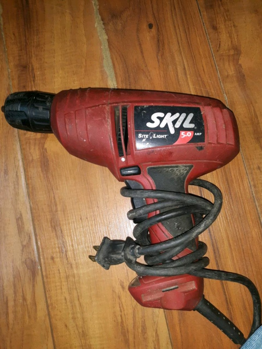 Photo Skil site lite 5 amp corded drill with level