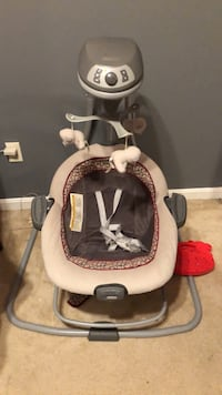 Graco Baby swing  Capitol Heights, 20743