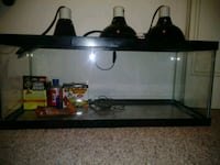 Reptile tank w/thermometer Lansdale