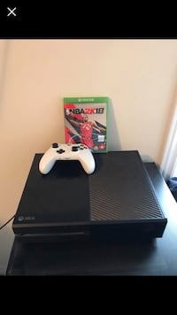 Black xbox one console with controller and nba 2k18 Oshawa, L1G