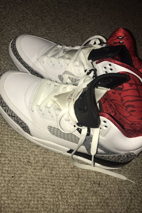 jordans good condition nice shoes very low price 1a08e08d-fddb-417a-954a-6f0fb86503e7