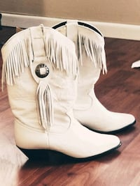 New White Fringe Cowgirl Boots  Bristol, 37620
