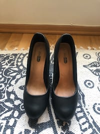 CLASSIC HEELS IN BLACK LEATHER Oslo, 0585