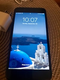 iPhone 7 plus 128 GB (unlocked) with all accessories Mississauga