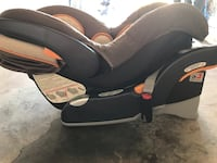 Chicco infants car seat and base! Jacksonville, 32216