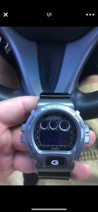 round black Casio G-Shock digital watch El Monte, 91732
