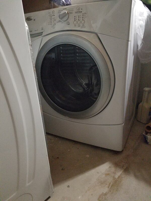 Washing Machine & Dryer. Looks Great Works Great. Free Stacking kit e58e18f7-6c92-43f6-aeb1-74bbb4a5e5e2