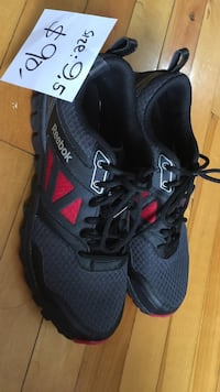 Black Reebok athletic shoes size 9.5