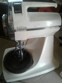 white and black Kitchen Aid stand mixer Bakersfield, 93305