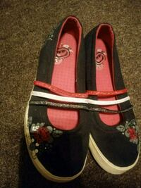 ECKO RED FLATS SIZE 6.5