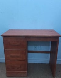 Wood desk Guelph/Eramosa, N1E 0K7