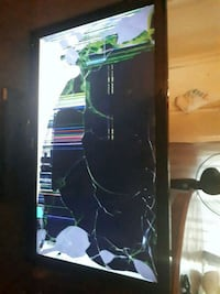 Tv cracked but turns on  1960 km