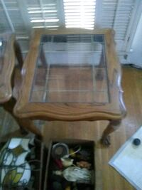 I have two end tables with glass top Norwalk, 90650