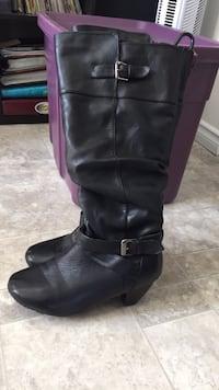 Black boots wide calf faux bought twice whooops Burnaby, V5B 1P9