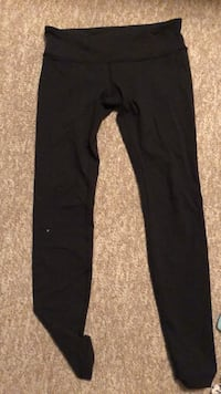 Lululemon leggings wore a couple of times size 10 Belleville, K8N 3X1