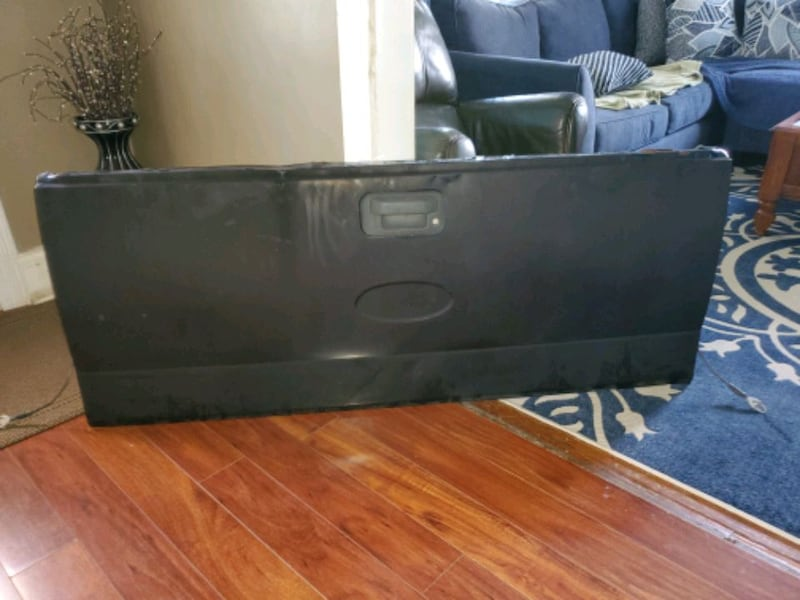 2004 Ford F150 Tail Gate d5ef1cb0-c399-488e-8a7e-ab8061528a26