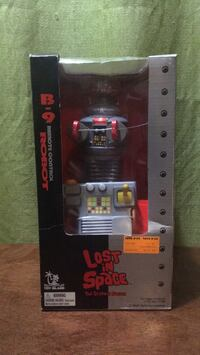 LOST IN SPACE The Classic Series B9 Remote Control Robot  NEVER OPENED! New York, 11216