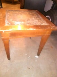 Antique end table on wheels Omaha, 68022