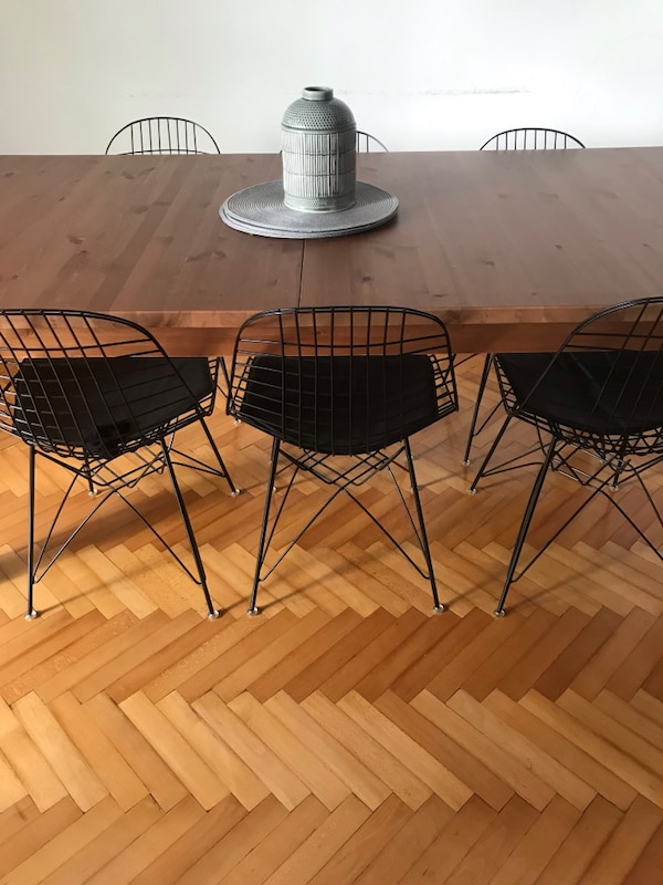 6 adet vitra wire chair 3110be7b-187c-49c2-8fe1-29f4682c9235