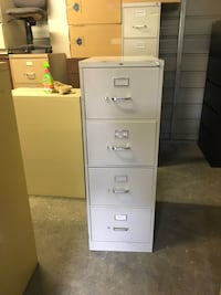 Hi aunt File Cabinets with keys $75 without$50 Mulberry, 33860