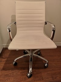 White and gray rolling chair Toronto, M5A 2G4