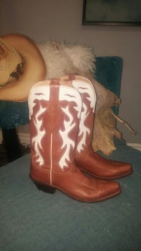 pair of brown leather cowboy boots Hamilton, L8H 2V7