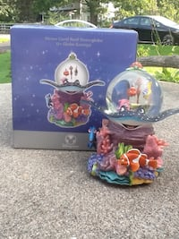 Disney nemo coral reef musical snow globe, retired Flanders, 07836
