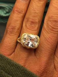 18k Gold Filled Huge Center Clear Stone Solitaire Ring Size 8
