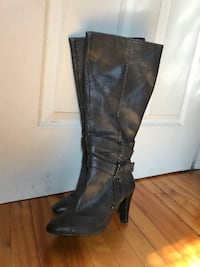 pair of black leather knee-high boots Montréal