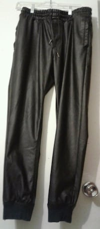Mens Guess Pants & Mens Cap Burnaby, V5J 3G6