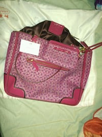 Coach purse and wallet excellent condition Anchorage, 99508