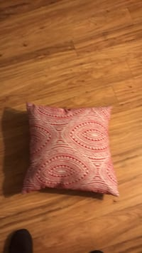 Red and white pattern pillow Rogers, 72756