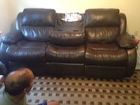 It's a manual recliner with massagers at both end seats. It comes from a smoke and pet free home. Excellent condition.  3 km