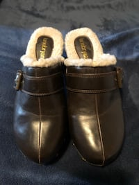 Clogs Size 10 Hagerstown, 21740
