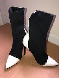 Stretchy black and white boot Gaithersburg