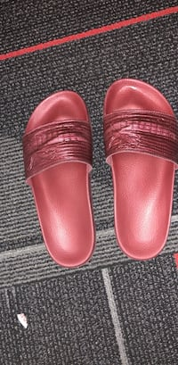 red Puma slide sandals Las Vegas, 89154