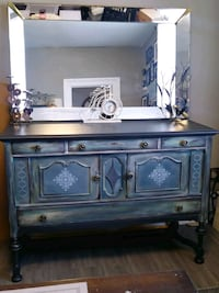 Antique Buffet Bowmanville, L1C 1N9