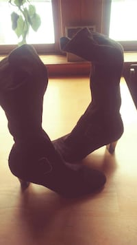 pair of brown kitten heeled boots Strong, 04983