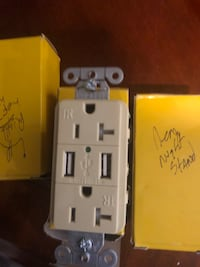 Hubbell Usb outlet ivory total of three Massapequa, 11758