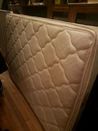 free double mattress and boxspring Montréal, H2V 4K4