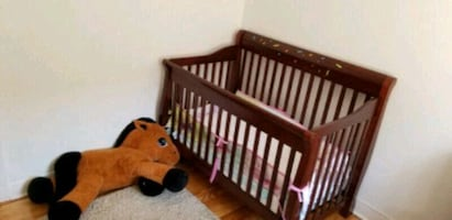 Baby Crib - Excellent Condition, without mattress