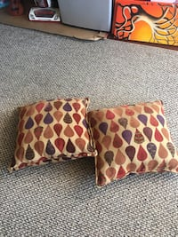 two brown-and-red throw pillows Alexandria, 22312
